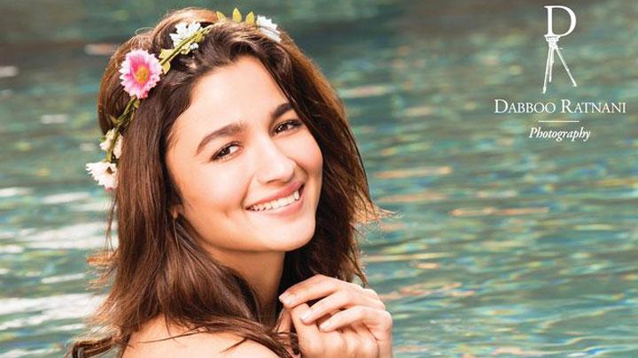 "4e51f8524 ""Alia Bhatt Is Looking Beautiful, Stunning, It's Sexy Yet Smiley"" Dabboo  Ratnani. """
