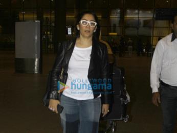 Alia Bhatt, Sridevi, Manyata Dutt and others snapped at the airport