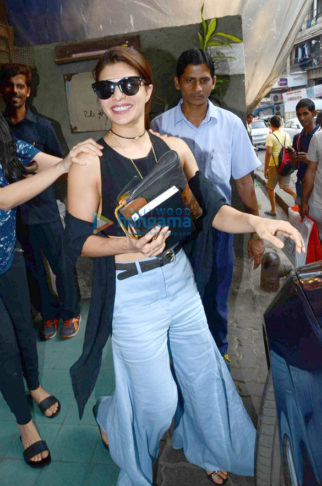 Jacqueline Fernandez snapped at Pali Village Cafe