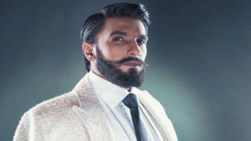 Ranveer Singh's hilarious filmy tribute to Shah Rukh Khan and Kajol's iconic train scene from DDLJ will make your day