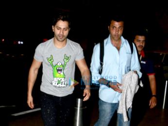 Saif Ali Khan, Varun Dhawan, Shahid Kapoor, Kangna Ranaut & Jahnvi Kapoor snapped at the airport