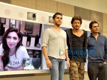 Shah Rukh Khan, Nawazuddin Siddiqui have a video conference with Mahira Khan over 'Raees' success