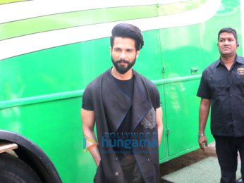 Shahid Kapoor & Kangna Ranaut snapped on the sets of Indian Idol 9