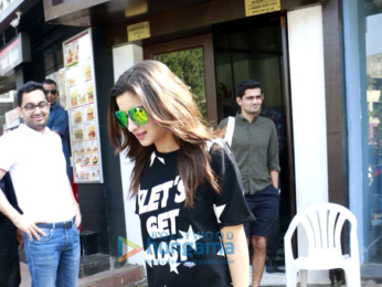 Sidharth Malhotra & Alia Bhatt snapped post lunch at Bastian