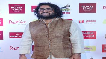 Arijit Singh Sings Channa Mereya At Mirchi Music Awards 2017