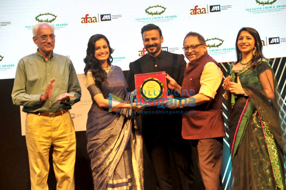 Dia Mirza honoured with the Green Crusader of the year award at the IAA Olive Crown Awards 2017