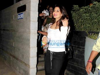 Jacqueline Fernandez snapped post dinner at Bandra Restaurant