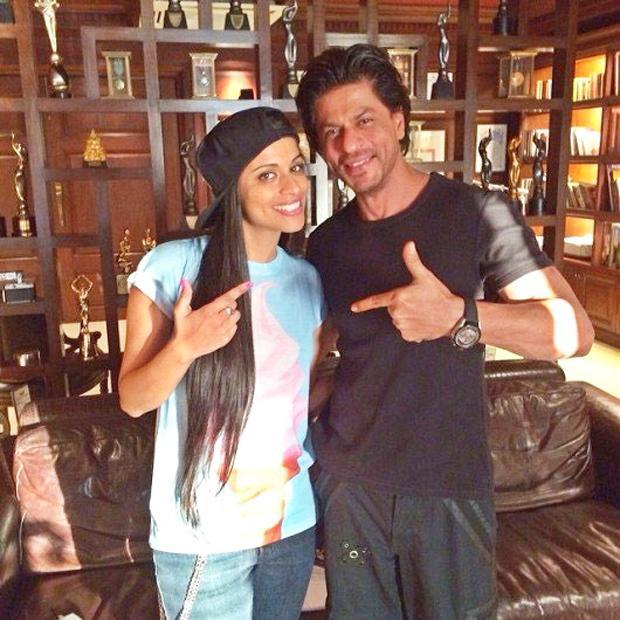 Новости Шахрукх Кхана!!! - Страница 13 Shah-Rukh-Khan-to-host-Youtube-sensation-Superwoman-Lilly-Singh-during-her-India-tour-news