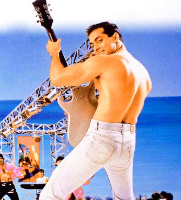 The reason behind Salman Khan's shirtless look in the song 'O O Jaane Jaana' features