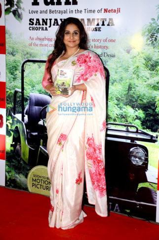 Vidya Balan unveils the book 'The Wrong Turn'