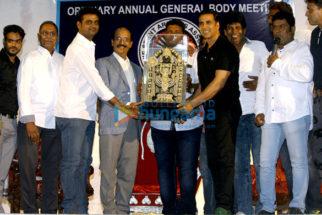 Akshay Kumar launches the insurance scheme for movie stunt men