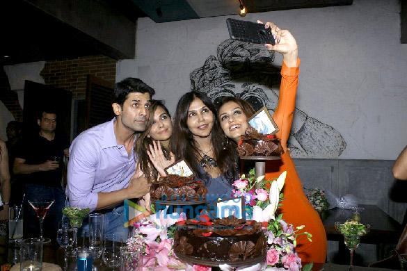 Amit Gaur, Aarti Chabria and many more at Socialite Nisha Jamwal's birthday bash