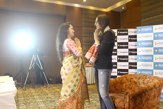 Check out Fans have a blast with Sonakshi Sinha at the Bollywood Hungama Meet N Greet-2