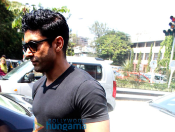 Farhan Akhtar takes mom Honey Irani out for lunch in Bandra