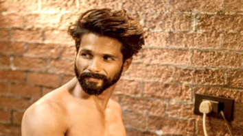 HOT Shahid Kapoor does a Salman Khan for Filmfare!
