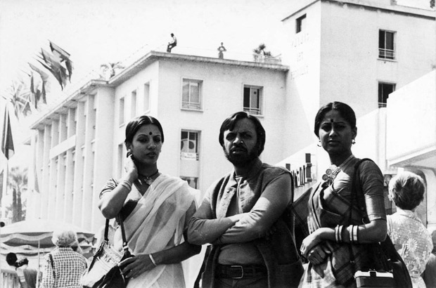 Shabana Azmi shares a throwback photo with Smita Patil and Shyam Benegal