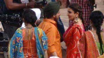 Shah Rukh Khan and Anushka Sharma shake a leg for Imtiaz Ali's film in Punjab