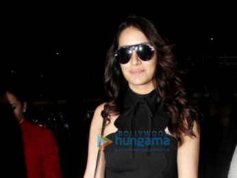 Arjun Kapoor and Shraddha Kapoor arrive back from Kolkata