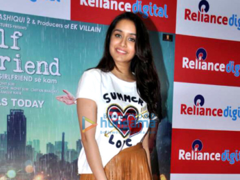 Arjun Kapoor and Shraddha Kapoor snapped at Half Girlfriend promotions in Juhu