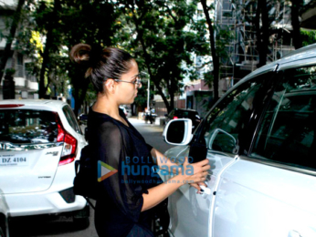 Bipasha Basu snapped post her gym sessions in Bandra