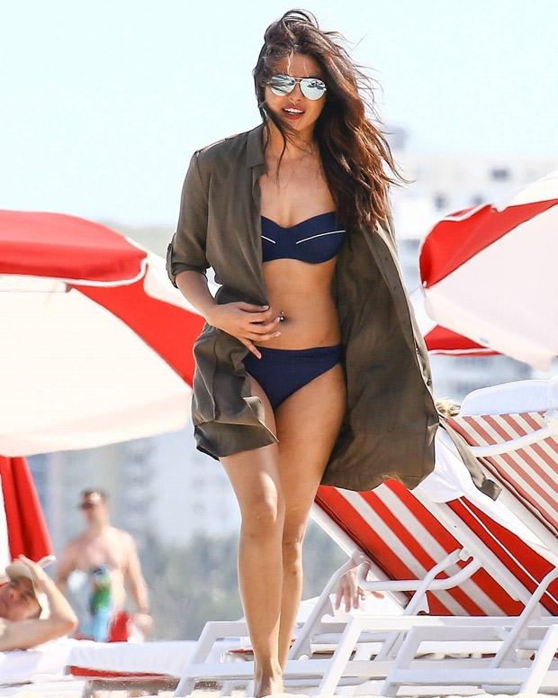 HOT! Priyanka Chopra flaunts her curves in a SEXY bikini with Victoria's Secret model Adriana Lima at Miami Beach-1