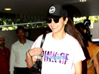 Kareena Kapoor Khan, Anushka Sharma, Esha Gupta and Amrita Arora snapped at the airport