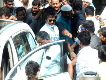 Rajnikanth snapped shooting on the streets of Mumbai today