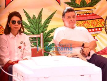 Rishi Kapoor and Neetu Singh snapped at Krishnaraj bunglow