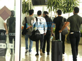 Shah Rukh Khan, AbRam Khan and Aryan Khan snapped with friends at the airport