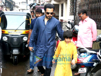 Emraan Hashmi snapped with his son post prayers at mosque on occasion of Eid