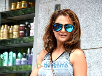 Kareena Kapoor Khan and Amrita Arora snapped at Freeda salon
