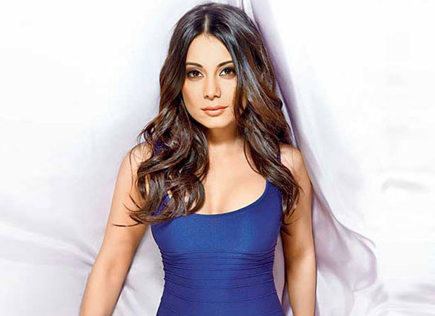 Minissha Lamba becomes the first celebrity professional poker player in India