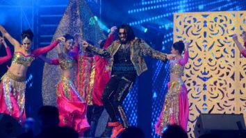 Ranveer Singh and Jacqueline Fernandez snapped at Vivek Kothari and Dimpal's sangeet ceremony