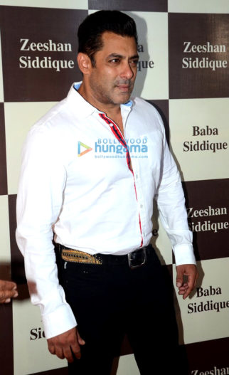 Shah Rukh Khan and Salman Khan grace Baba Siddique's Iftaar party