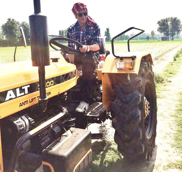Shah Rukh Khan gives desi feels driving a tractor in Punjab feature