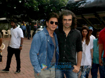 Shah Rukh Khan and Imtiaz Ali promote 'Jab Harry Met Sejal' on Dance+