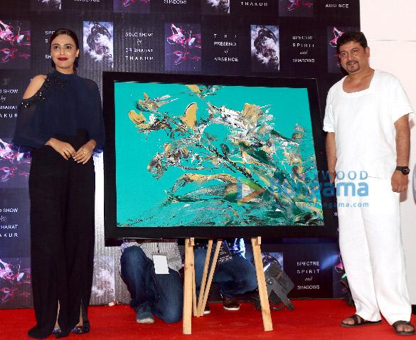 Soha Ali Khan and others at Bharat Thakur's art exhibition