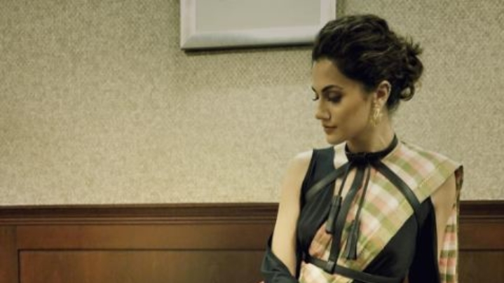 Taapsee Pannu SIZZLES On The Ramp For Myntra