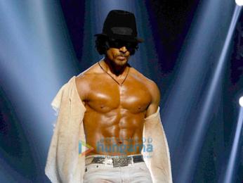 Tiger Shroff showcases his dance moves at the Michael Jackson tribute show