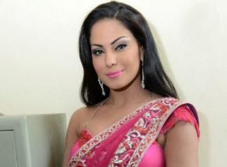 SHOCKING! Veena Malik becomes TV news anchor in Pakistan, calls India an 'Evil Nation'