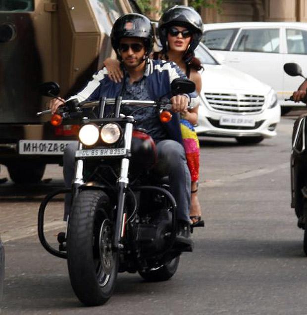 A Gentleman couple Sidharth Malhotra and Jacqueline Fernandez go on a bike ride in Mumbai-2