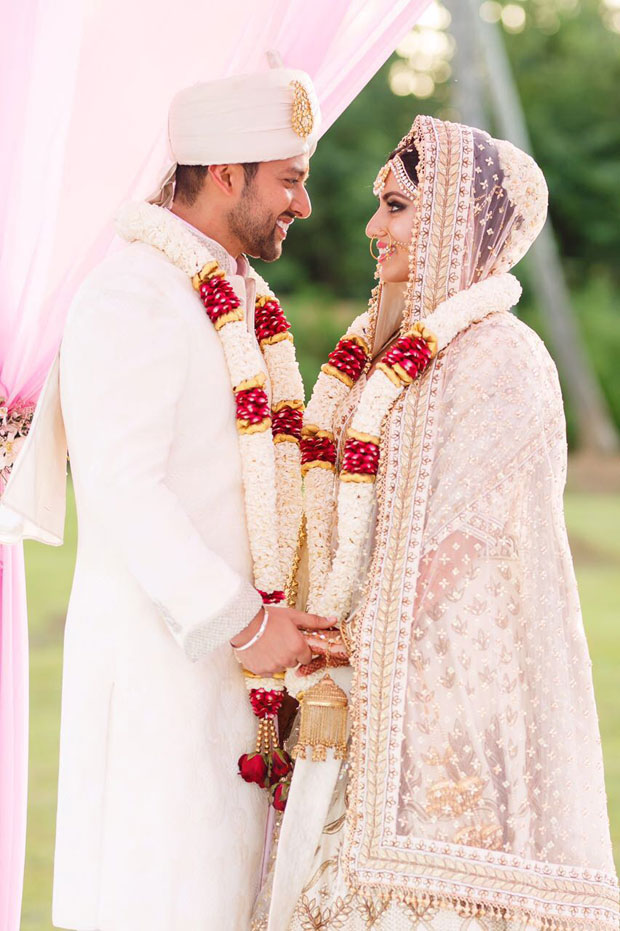 After Esha Deol, Aftab Shivdasani re-ties knot with wife Nin Dusanj in a private yet lavish wedding ceremony in Sri Lanka! -1