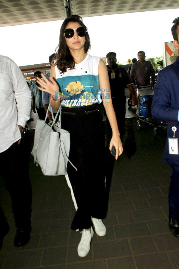 Anushka Sharma snapped at the airport