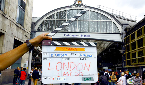 Check out Sidharth Malhotra, Manoj Bajpayee and Rakul Preet wrap up Neeraj Pandey's London schedule of Aiyaary (3)