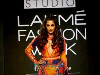 Chitrangada Singh walks for Neha Agarwal at Lakme Fashion Week 2017
