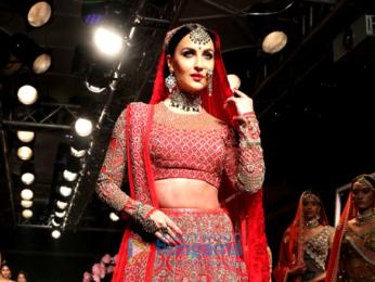 Elli Avram walks for Manoj Agarwal at Lakme Fashion Week 2017