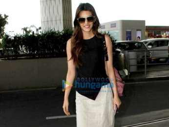 Kriti Sanon and Ayushmann Khurrana snapped at the airport