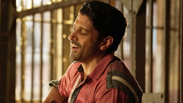 Meer-E-Kaarwan Lucknow Central