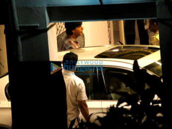 Shah Rukh Khan spotted at Dilip Kumar's house