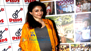 Soha Ali Khan graces a fundraiser exhibition at Out of The Blue, Bandra